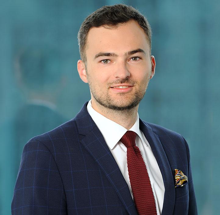Mariusz Nowakowski, MLE - Adwokat (poln. Rechtsanwalt), Senior associate