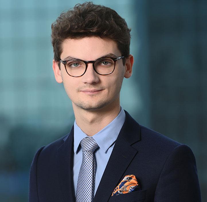 Jakub Oliver Hotewicz - Associate
