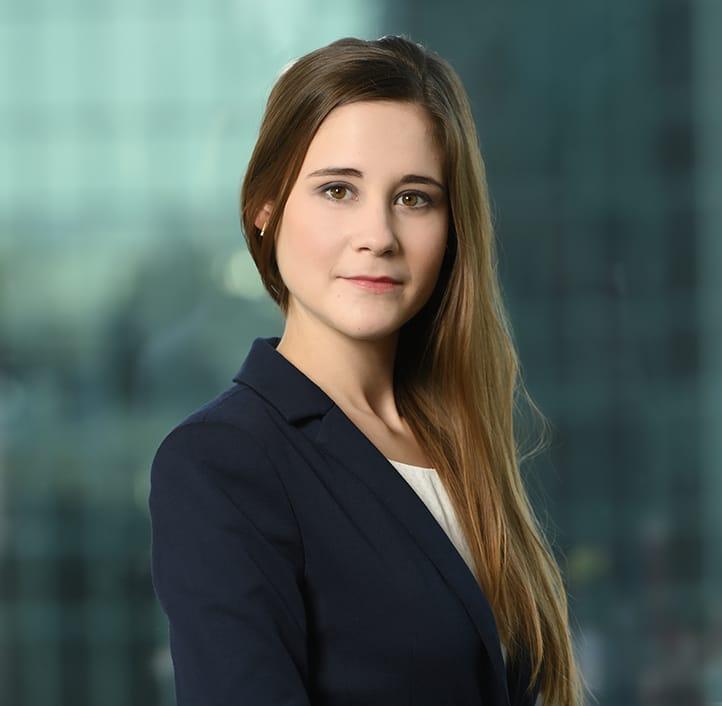 Agata Ruszel - Associate