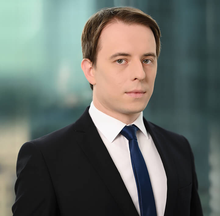 Tomasz Szostak - Associate